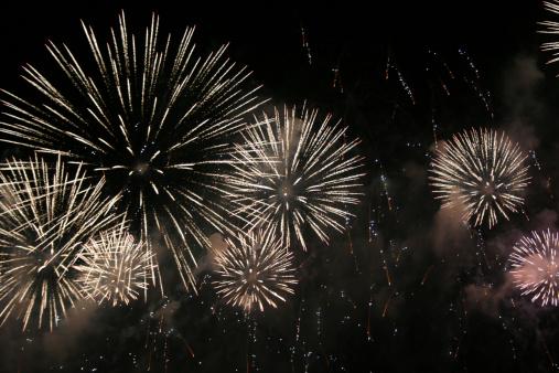 花火「新年のお祝い」:スマホ壁紙(6)