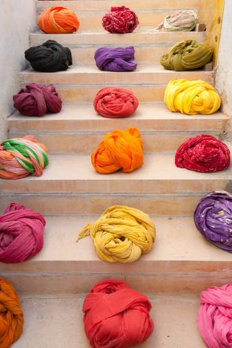 並んでいる「colourful turbans at Jaisalmer,India」:スマホ壁紙(18)