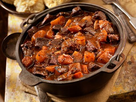 Cast Iron「Irish Stew with Biscuits」:スマホ壁紙(14)