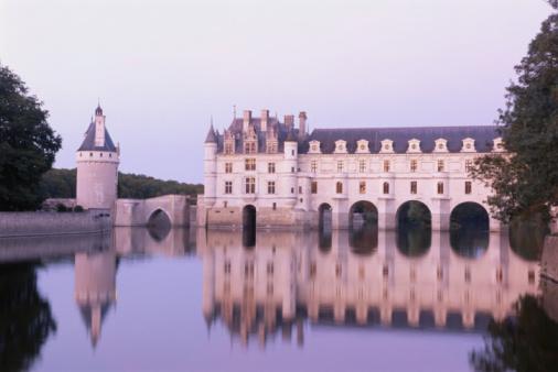 Castle「France, Loire Valley, Chateau de Chenonceau, dusk」:スマホ壁紙(0)