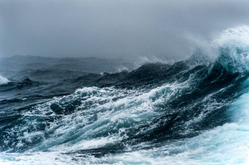 Storm「Breaking wave on a rough sea against overcast sky」:スマホ壁紙(1)