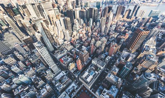 Mid-Atlantic - USA「Drone Point of View of Manhattan Skyline」:スマホ壁紙(11)