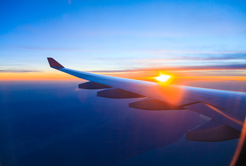 Commercial Airplane「Seeing the sunset on flight」:スマホ壁紙(3)