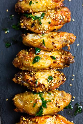 Chicken Wing「Spicy chicken wings on slate」:スマホ壁紙(3)