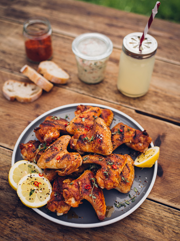 Chicken Wing「Spicy chicken wings with summer beverage and condiments」:スマホ壁紙(1)