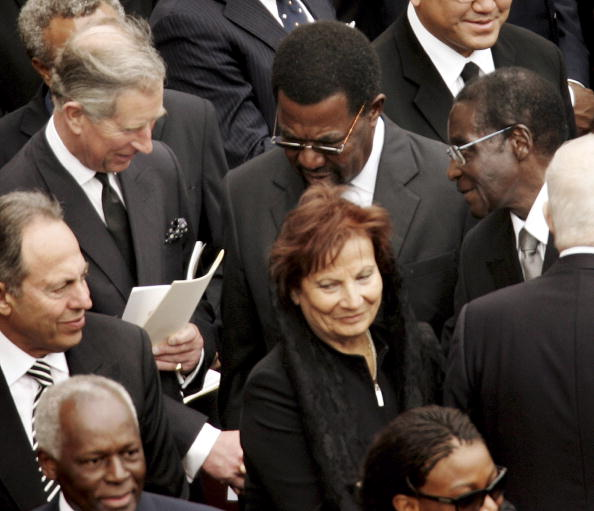 Peter Macdiarmid「Funeral Held For Pope John Paul II」:写真・画像(2)[壁紙.com]