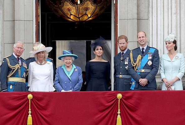 出席する「Members Of The Royal Family Attend Events To Mark The Centenary Of The RAF」:写真・画像(1)[壁紙.com]