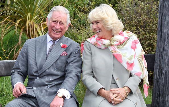 Laughing「The Prince Of Wales & Duchess Of Cornwall Visit New Zealand - Day 2」:写真・画像(3)[壁紙.com]