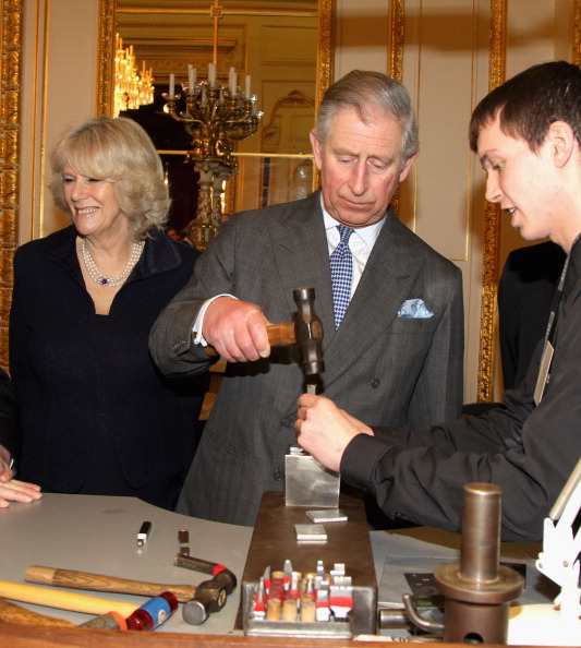 Business Finance and Industry「The Prince Of Wales And Duchess Of Cornwall Meet Apprentices At Goldsmiths Hall」:写真・画像(6)[壁紙.com]