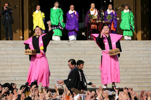 Asashoryu Akinori「Japan Celebrates The Coming Of Spring With The Bean-Scattering Ceremony」:写真・画像(17)[壁紙.com]