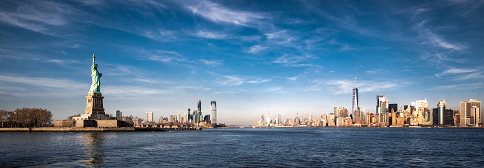 Liberty Island「Panoramic view of New York City and the Statue of Liberty」:スマホ壁紙(4)