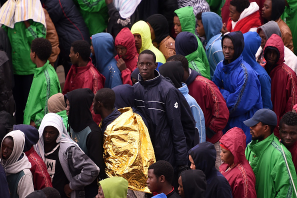 Immigrant「Situation Critical After Hundreds Of Migrants Arrive On Lampedusa Following Rescue Operation」:写真・画像(14)[壁紙.com]