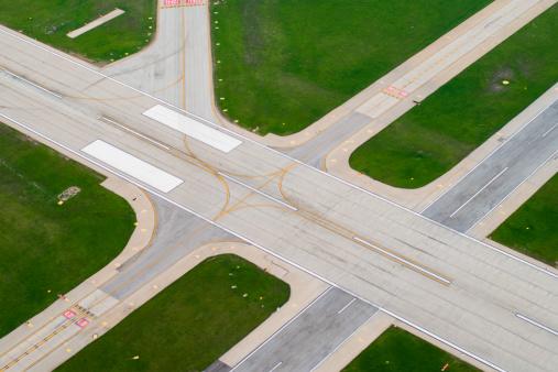Airport Runway「Airport Runway」:スマホ壁紙(13)