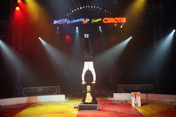 Circus Tent「Bobby Roberts Super Circus Rolls Into Town After Animal Cruelty Scandal」:写真・画像(5)[壁紙.com]