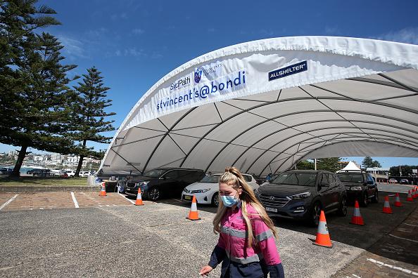 Sydney「Bondi Beach COVID-19 Testing Clinic Expanded As NSW Health Authorities Urge Sydneysiders Continue Getting Tested」:写真・画像(14)[壁紙.com]