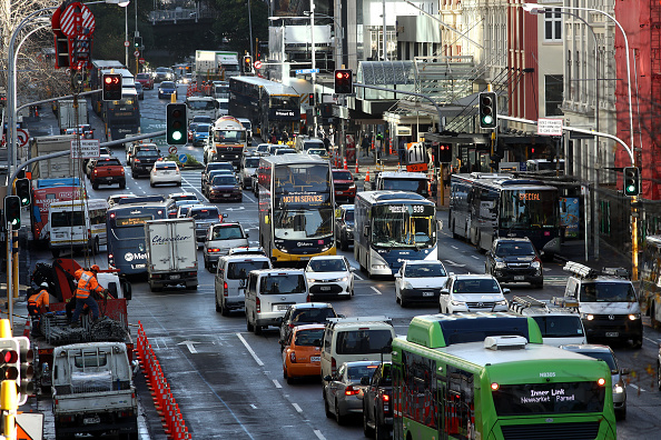 Traffic「New Zealanders Return To Normal Life Under COVID-19 Alert Level 1 As Country Records No Active Cases」:写真・画像(3)[壁紙.com]