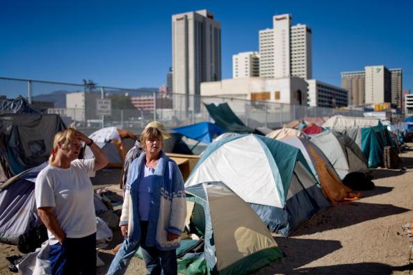 Homelessness「City Of Reno Sets Up Tent City For Homeless」:写真・画像(13)[壁紙.com]