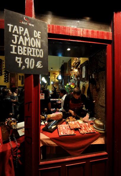 Tapas「Spaniards Fall Back On Tapas Bars In Harder Times」:写真・画像(3)[壁紙.com]