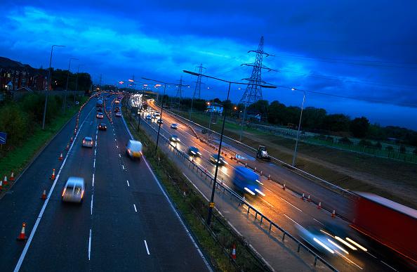 Journey「Evening rush hours during roadworks Traffic on the M60 motorway, Manchester, UK」:写真・画像(17)[壁紙.com]