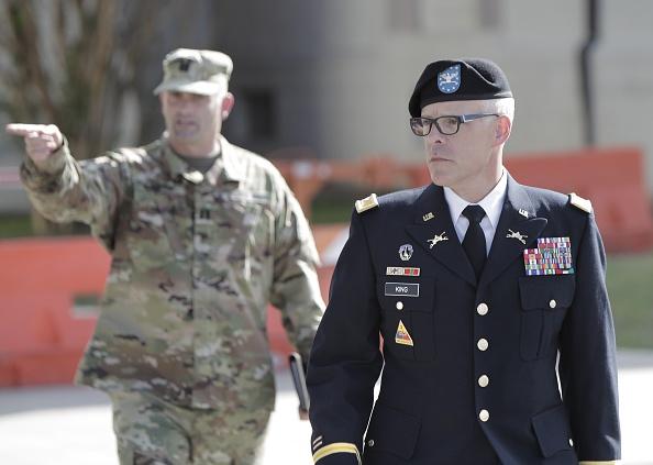 Daniel Gi「Army Holds Article 32 Preliminary Hearing In Bowe Bergdahl Desertion Case」:写真・画像(3)[壁紙.com]