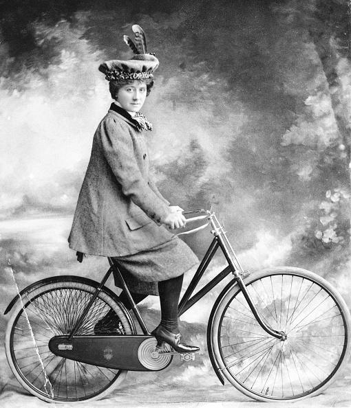 1890-1899「Lady Cyclist」:写真・画像(10)[壁紙.com]