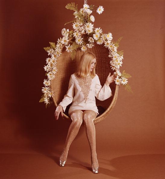 Flower「Hanging Chair」:写真・画像(15)[壁紙.com]