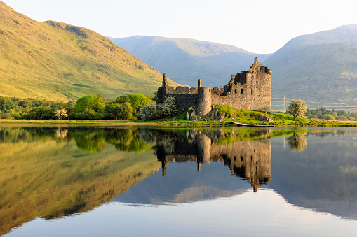 Castle「Great Britain, Scotland, Scottish Highlands, Argyll and Bute, Loch Awe, Castle Ruin Kilchurn Castle」:スマホ壁紙(3)