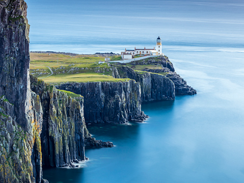 Rocky Coastline「Great Britain, Scotland, Isle of Skye, Lighthouse at Neist Point」:スマホ壁紙(14)