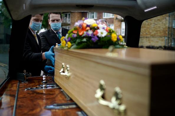 UK「Saying Goodbye In Coronavirus Lockdown」:写真・画像(0)[壁紙.com]