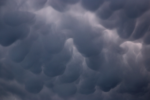 Mammatus Cloud「Mammatus storm clouds」:スマホ壁紙(1)