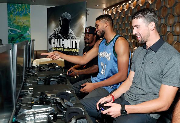 Marshawn Lynch「Activision Presents The Ultimate Fan Experience, Call Of Duty XP 2016」:写真・画像(3)[壁紙.com]