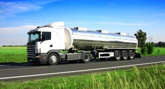 Chemical「Blue Sky Over White Truck」:スマホ壁紙(6)