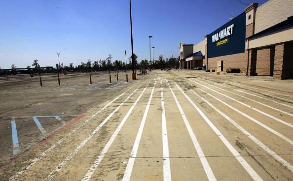 Parking Lot「Aftermath of Hurricane Katrina」:写真・画像(6)[壁紙.com]