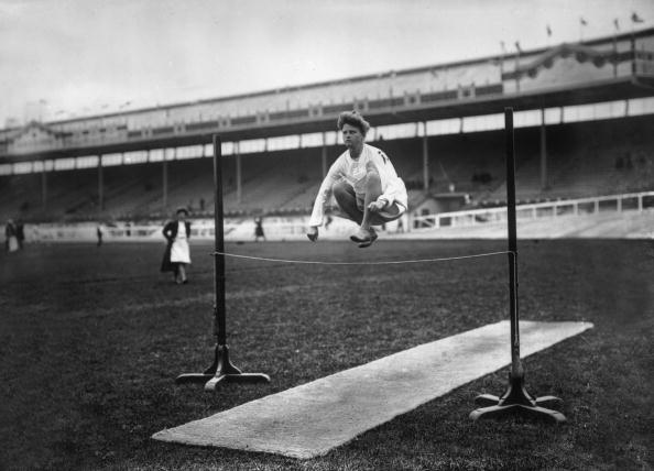 Recreational Pursuit「Gymnastic High Jump」:写真・画像(1)[壁紙.com]
