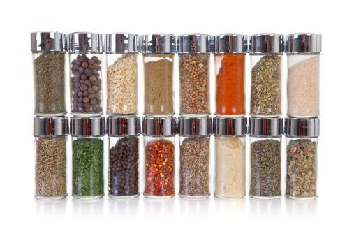 Rack「Row of jars with spices」:スマホ壁紙(3)