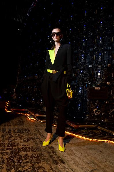 Yellow「Balmain : Photo Shoot - Paris Fashion Week Womenswear Fall/Winter 2021/2022」:写真・画像(9)[壁紙.com]