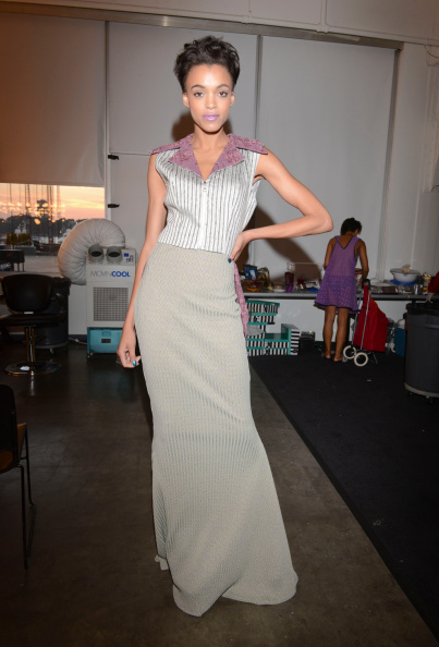 Gray Skirt「K. Nicole - Backstage - Mercedes-Benz Fashion Week Spring 2015」:写真・画像(11)[壁紙.com]