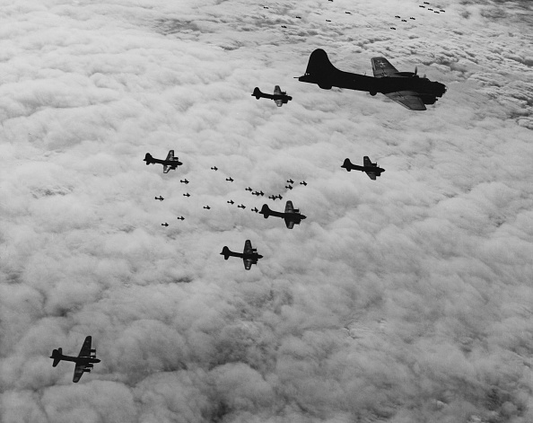 World War II「Boeing B-17 Flying Fortress」:写真・画像(8)[壁紙.com]