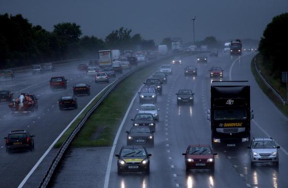 Torrential Rain「Flash Floods Brings Disruption Across Country」:写真・画像(6)[壁紙.com]