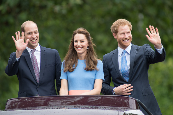 Duke of Cambridge「The Patron's Lunch To Celebrate The Queen's 90th Birthday」:写真・画像(19)[壁紙.com]