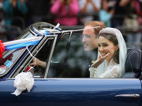 Royal Wedding of Prince William and Catherine Middleton「Newlywed Royals Leave Wedding Reception」:写真・画像(18)[壁紙.com]