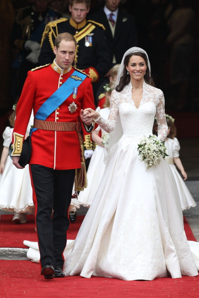 Sarah Burton for Alexander McQueen「Royal Wedding - Carriage Procession To Buckingham Palace And Departures」:写真・画像(3)[壁紙.com]