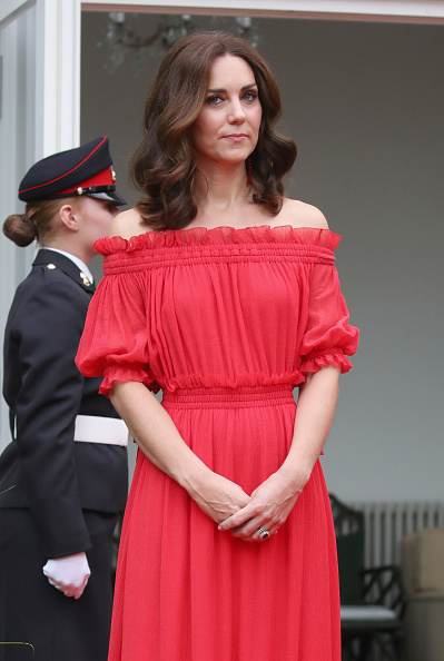 Red Dress「The Duke And Duchess Of Cambridge Visit Germany - Day 1」:写真・画像(4)[壁紙.com]