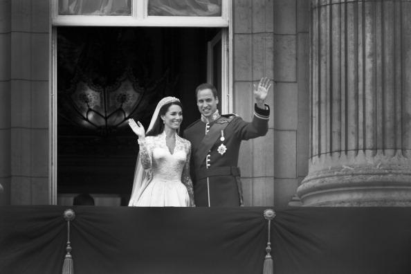 Sarah Burton for Alexander McQueen「Royal Wedding Couple」:写真・画像(0)[壁紙.com]