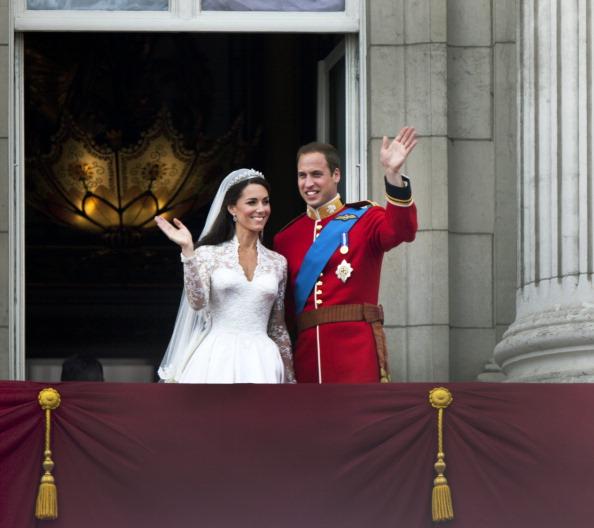 Sarah Burton for Alexander McQueen「Royal Wedding Couple」:写真・画像(11)[壁紙.com]