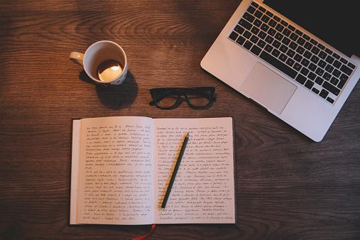 Single Word「Writing and drinking coffee」:スマホ壁紙(14)