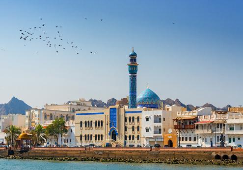 Arabic Style「Oman - Muskat, Masjid Al Rasool Al A`dham Mosque with flowers」:スマホ壁紙(3)