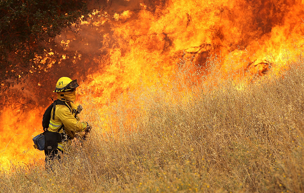 Grass「Wildfire Grows Rapidly In California's Lake County」:写真・画像(4)[壁紙.com]