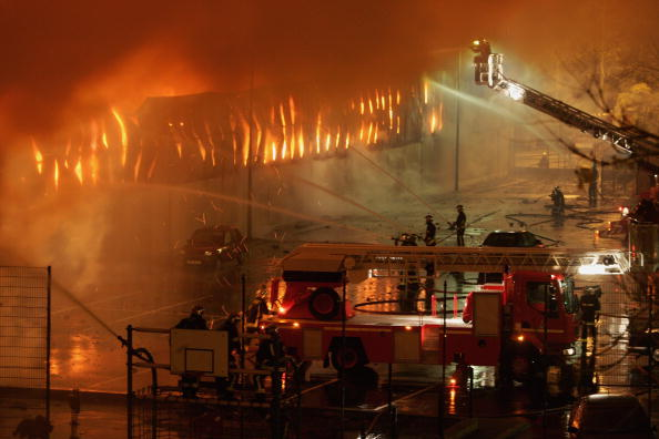 Inferno「Riots Continue For Ninth Night In Parisian Suburbs」:写真・画像(6)[壁紙.com]