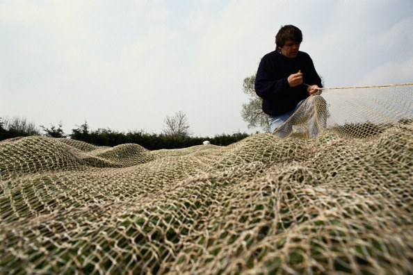 Fisherman「Repairing Fishing Nets」:写真・画像(19)[壁紙.com]